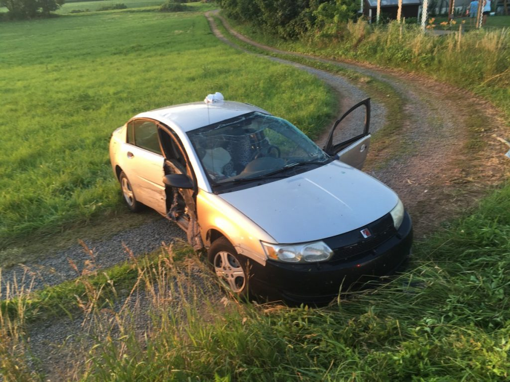 TWO VEHICLE MVA WITH CONFINEMENT ON STATE ROUTE 209